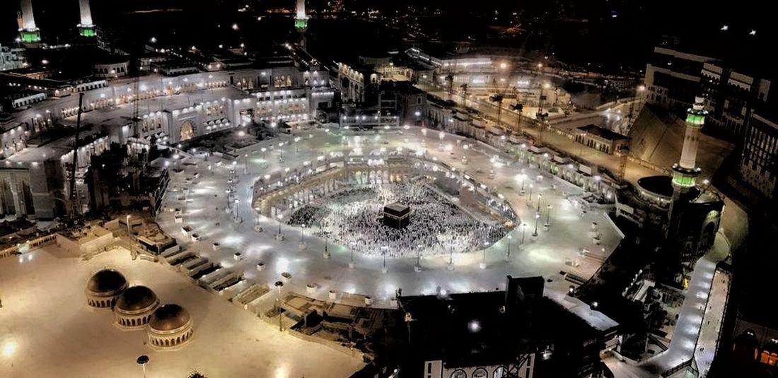 Suudiarabistan Cidde Ed Dammam Mekke Kabe-i Şerif Serenity Huzur 😍❤️ en güzel dualarında benim için de dua eden ve kendisiyle beraber bana da aynı anı yaşatan en özel kişi 😊😇 Allah'm kabul etsin inşallah 🙏❤️