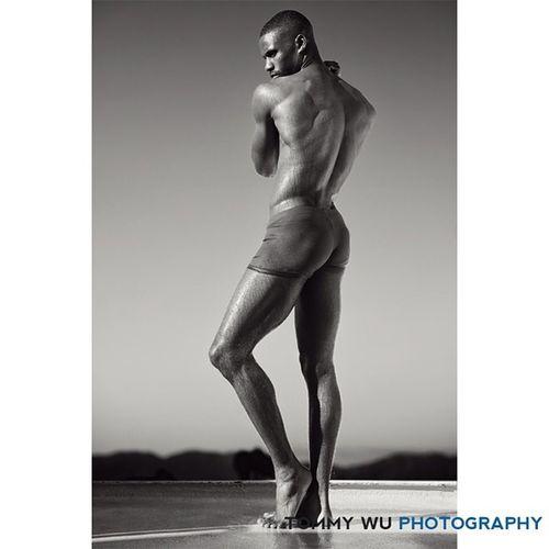Dancer pose Seansamuels Malemodel  Bw Maleform