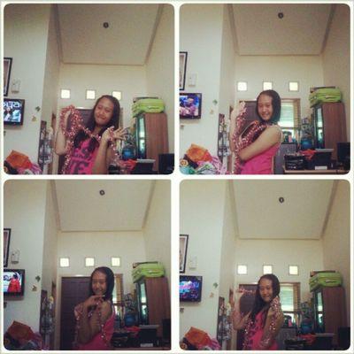 HeyHoo :) .. Good Afternoon Happy Sunday & Have fun :) :D Syalala Lalala Smile Happy