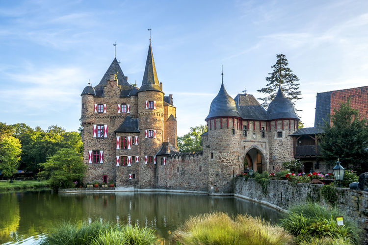 Castle Satzvey, Germany Architecture Burg Burg Satzvey Castle Nordrhein-Westfalen Travel Architecture Building Day Germany Historical Lake Nature No People Nobody Outdoors Religion Satzvey Satzvey Castle Travel Destinations Water Waterfront