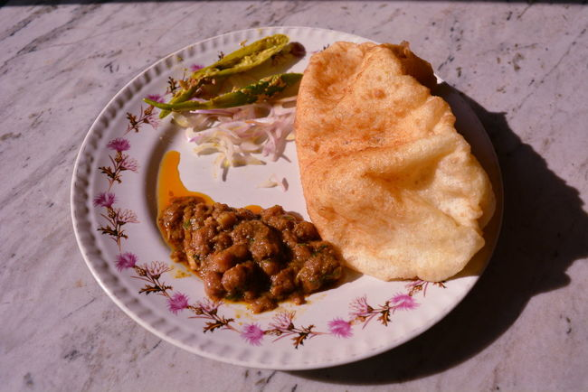 Food Plate No People Gourmet Freshness Ready-to-eat Day CHOLE BATORE CholeBhature Chole Bhature Indian Food At Its Best Indian Food Delicious ♡ Delicious DELICIOUS FOOD ♡ DeliciousFood  Close-up Low Angle View Side View