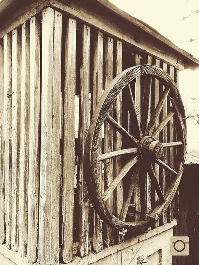 Old Well  Wheel Backintime Good Bad Something NOthIng Alittlebit Blackandwhite Bored No Yes Difference  Love Death