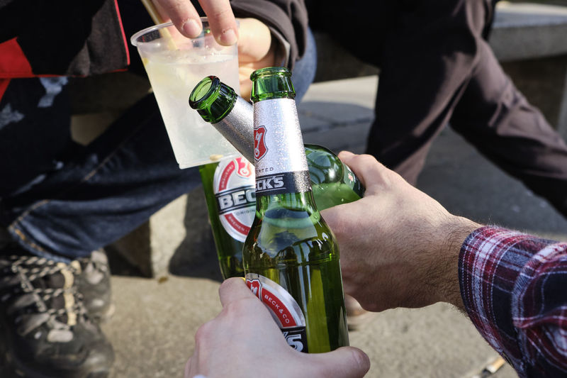 Colonne di San Lorenzo, Milano - March 2019 Milano Colonne Di San Lorenzo Candid Streetphotography Refreshment Cheers Good Times Becks Beer Friends Beer - Alcohol My Best Photo Analogue Sound