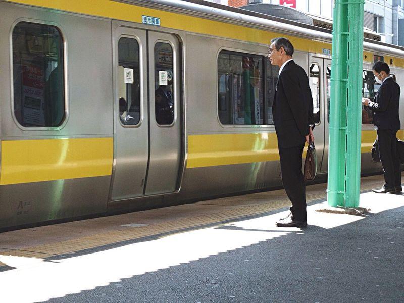 Streetphotography Snapshot People Snapshots Of Life Light And Shadow City Life Wating Train Train Station Platform kanda, 神田 , Tokyo Japan