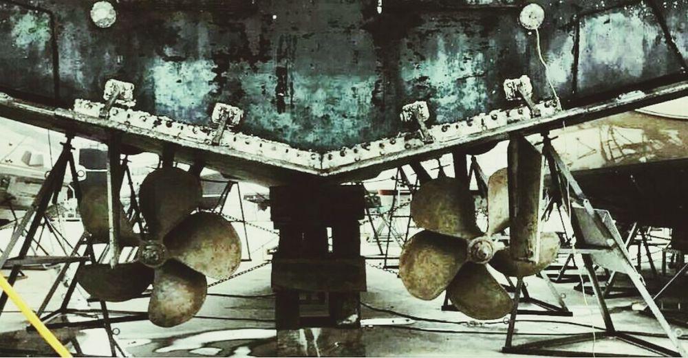 Dirty Yacht Time To  Refit Marina Propeller Natural Original Picture Didim Istanbul Turkey Love Job Like Photo Followme follow #f4f #followme #TagsForLikes #TFLers #followforfollow #follow4follow #teamfollowback #followher followbackteam followh