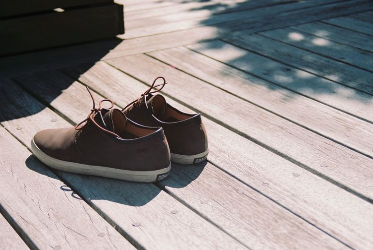 Wood - Material Shoe Sunlight Close-up No People Outdoors Day Film Filmisnotdead Lieblingsteil