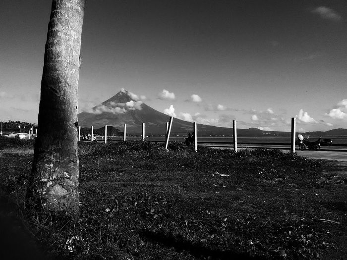 Boulevard 2 Black And White Photography Black & White MayonVolcano😍🌋 Mt. Mayon Peaceful View Nature Eyeemphotography