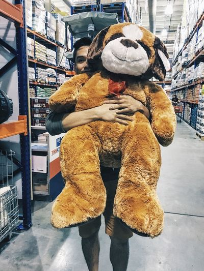 Maybe I cannot buy you this giant pug but I assure you, I will shower you with my priceless hug. 😏 Love Yesuventures Cute Comfortable Human Emotions Philippines Asian  Vscocam VSCO Vscogood VSCO Cam Vscogrid Igers IGDaily (null)Blogger Igersoftheday IPhoneography