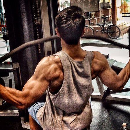 One rep for EyeEm ! Follow me on Instagram @pen_muhaimin Fitness GoHardOrGoHome Train Hard I Love My Job Gym Couldn't Get Any Better Body & Fitness Workout