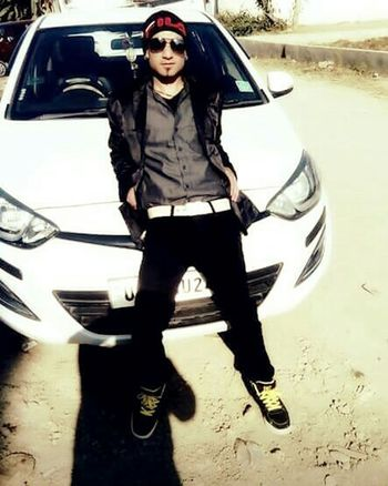 Portrait Car Full Length Fashion Young Adult Fashionable Real People Attitude Follow Back Today's Hot Look Pic Of The Day Cool Attitude Hello World That'sme Selfportrait Hip-Hop People Of EyeEm United States Faces Of EyeEm Love Confidence  Cool Front View Looking At Camera