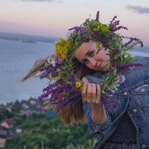 Я не люблю фотографироваться, предпочитаю быть по другую сторону объектива. Но вчера я была моделью 🙈 Думала, что это не мое... но мне нравятся эти фотографии!))) Спасибо, @railya_gayazova! девочкитакиедевочки довольная хорошийфотограф РаиляХайдаровна венок