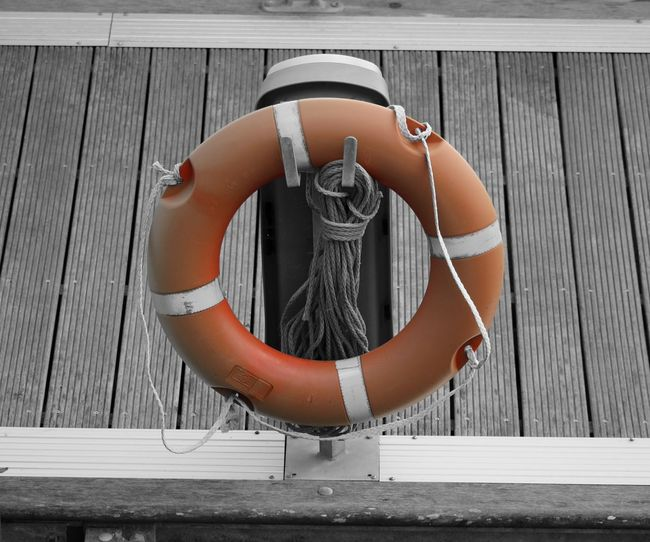 Repost but this time in Color Splash. Lifering Blackandwhite Life Ring Bnw Colorsplash Deceptively Simple Rescue Rescue Ring Rescue Equipment Close-up EyeEmBestPics EyeEm Best Shots Minimalist Eye4photography  Marina Minimalobsession Black And White Blackandwhite Photography Black&white Minimalism Taking Photos Portugal Showcase March