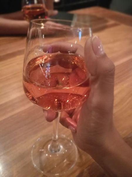 Wine Moments pink muscato Drink Pinkwine Muscato Ladyatnight Bar