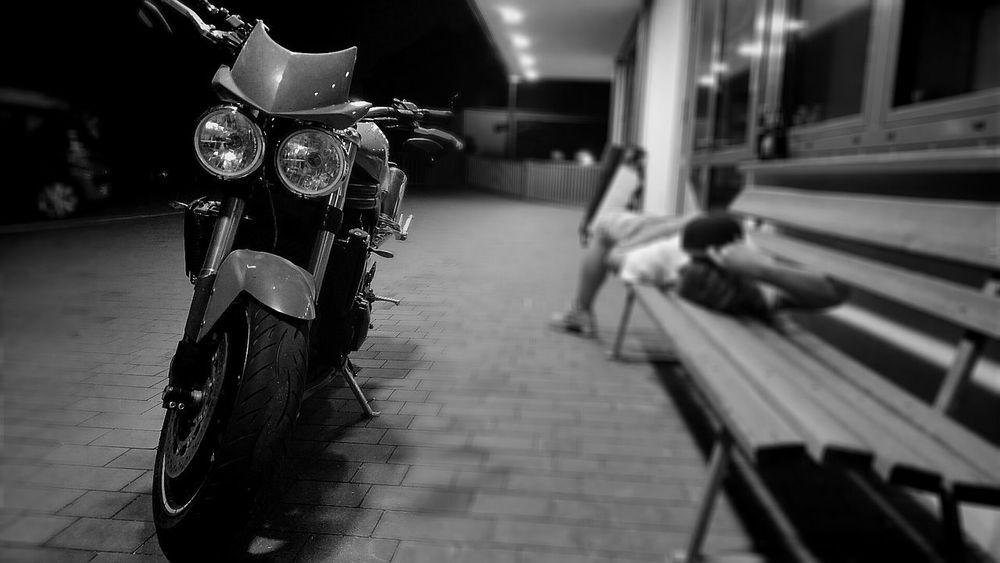 Motorad Motorcycle Ride Night Monochrome Blackandwhite Sleeping Infront Triumph Speedtriple Close-up