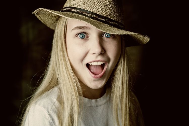 Caro et mon chapeau. women around the world Women Of EyeEm Blonde Blonde Girl Blue Eyes Woman Portrait Young Child Children Photography Blond Hair Portrait Beauty Human Face Women Black Background Headshot Halloween Looking At Camera Young Women Iris - Eye