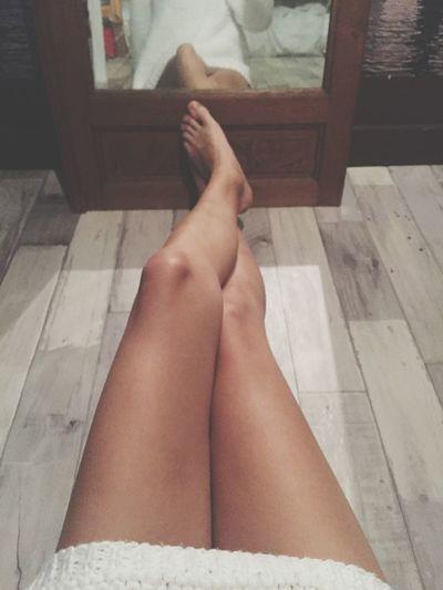 Relaxing Taking Photos Frenchgirl Night Legs Jambes