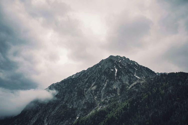 Naturaleza Nature Photography Naturephotography Travel Landscape Fotografia Photooftheday SPAIN Mountain Mountain Range Mountain Peak darkness and light Dark Outdoor Photography Outdoors Nature Photography