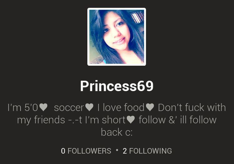 anyone has vine? follow me &' ill follow back ♥