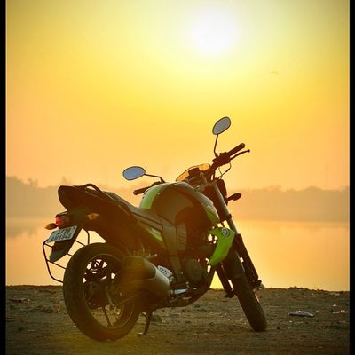 My byk Ihithro India Instago Instagram instamood photography picoftheday photooftheday productphotography yamaha nikon d7000 hyderabad bike bestoftheday