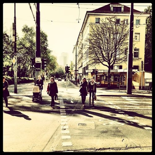 Frankfurt's Life.... On the Way Frankfurt Frakfurtcity Frankfurtmain Frankfurtmitte Frankfurtlovers Frankfurtmylove Frankfurterleben Stadt Streetslife Germany Tumblr Lomoblog Kiosk Trinkhalle Frankfurtnord