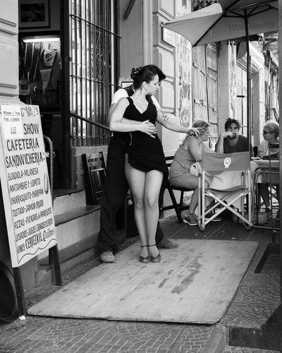 Tango en La Boca Cafe Couple Dancing Fishnets La Boca Outdoors Show Stockings Tango Tourist Woman The Tourist
