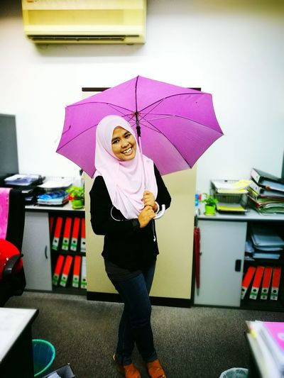 Jsngan cakap hakak tak umbrella Looking At Camera Confidence  Cheerful