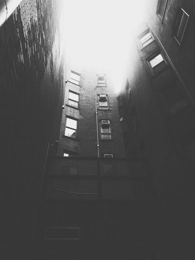 Alley of hope Daily Life Black And White Manhattan Vscocam Harlem  Escaping Urban