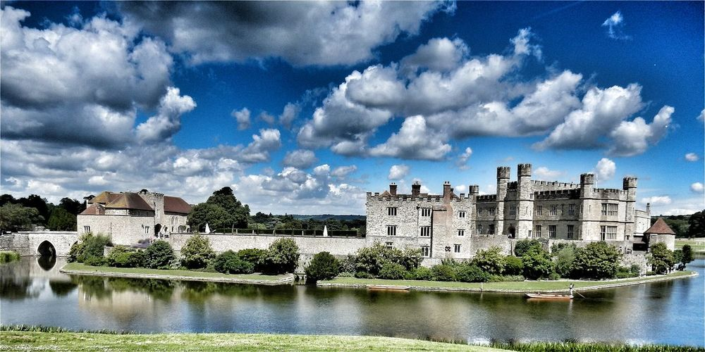 43 Golden Moments Leeds Castle Hanging Out Taking Photos Check This Out Hello World Relaxing Enjoying Life Today's Hot Look Magical Beautiful Amazing Modern Art Best Castle In The World Fairytale