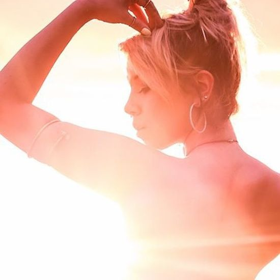 Beautiful Maui Goddess Vixen Befree BeCreative Youonlyliveonce Smile Freethegoddess Amazing Mauiphotography Mauinokaoi Mauiportraits Sea Beautifulgirls Sunset Sun Hot Solar Solarflare Beach Sunset Mermaid Seanymph Siren hawaii @teeweava