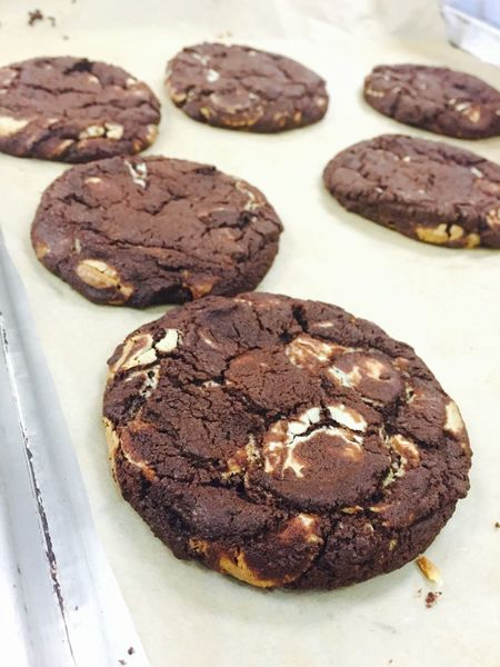 Reverse chocolate chip cookies Cia