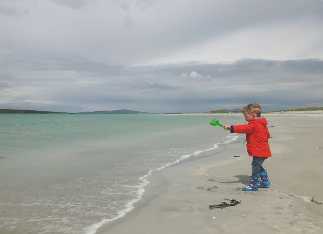 Beach Children Only One Boy Only Childhood Sand Cloud - Sky Beauty In Nature Toddler Boy Clachan Clachansands Child At Beach Childphotography Nortuist Outerhebrides Hebrides Scottish Beach Uist Scottish Beaches The Portraitist - 2017 EyeEm Awards The Great Outdoors - 2017 EyeEm Awards Toddlersofeyem Live For The Story EyeEmNewHere Children Of The World Child Playing At The Beach The Week On EyeEm Done That.