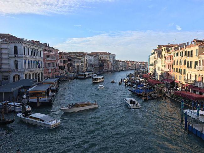 Wanderlust Happy Happiness Gondola Boats Boat Sun Italia Italy Venezia Venice Rialtobridge Rialto Bridge Ponte Puente Bridge River