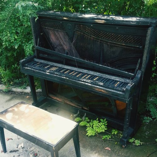 Piano Burn And Broken