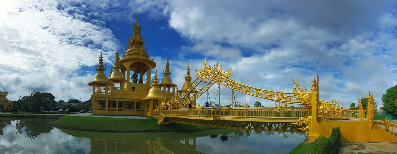 วัดร่องขุ่น White Temple Watrongkhun Built Structure Water Architecture Cloud - Sky Sky Building Exterior Travel Destinations Reflection Building No People Tourism Belief Waterfront Outdoors Religion Nature