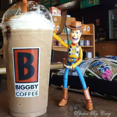 I've gone to the dark side. Woody has joined my toy clan. But I'm going to have way to much fun with him. Newtoys Revoltechwoody Biggby Coffeeordeath Nocoffeenoworky