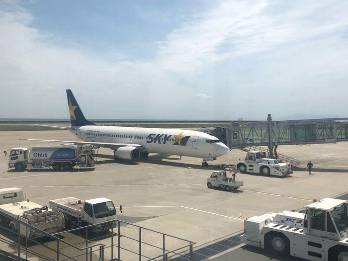 東京へ☆ #スカイマーク #SKYMARK Skymark Airlines Airplane Air Vehicle Mode Of Transportation Transportation Airport Sky Airport Runway