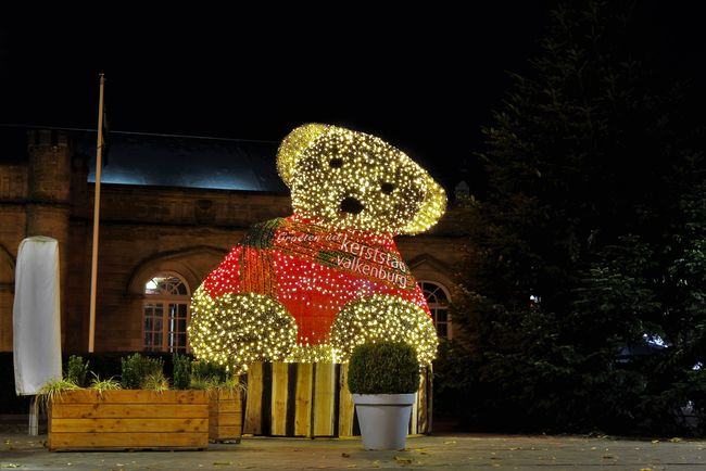 Bear Christmas Christmas Around The World Christmas Spirit Christmas Lights Christmas Time Night Lights Nightphotography Season Greetings See What I See Walking Around Taking Pictures Christmas Bear Christmas Decoration Christmas Decorations Christmastime Christmastown Valkenburg Illuminated Kerstbeer Kerststad Valkenburg Night No People Outdoors Valkenburg Aan De Geul