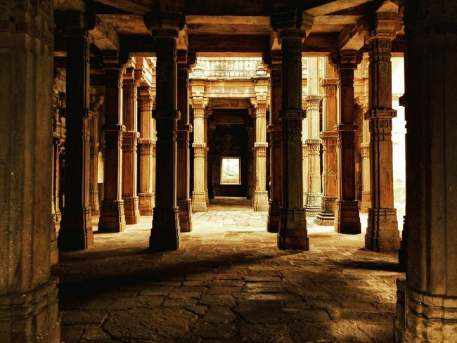 Light Travels Building Exterior Built Structure Architectural Column Architecture History Old Ruin The Past Historic Corridor Past Ancient Tourism Ancient Civilization india First Eyeem Photo