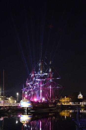 L'Hermione à La Rochelle en février 2018 avant son périple de quatre mois en Méditerranée. Bateau à Voile Bateau Boat Fregate Frigate Hermione Old Vessel Vessel Vessel In Port