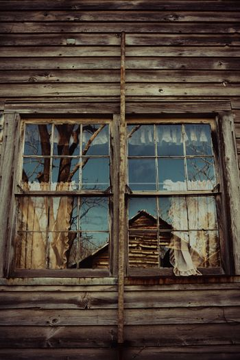 Vintage Reflection Abandoned Places Abandoned House Reflection Barn Vintage Country Life Countryside Country Country House Old HDR Awesome_hdr Instagood Hdrphotography Photooftheday Hdriphoneographer Photography Photographer Photographylovers Window Abandoned Wood - Material Low Angle View