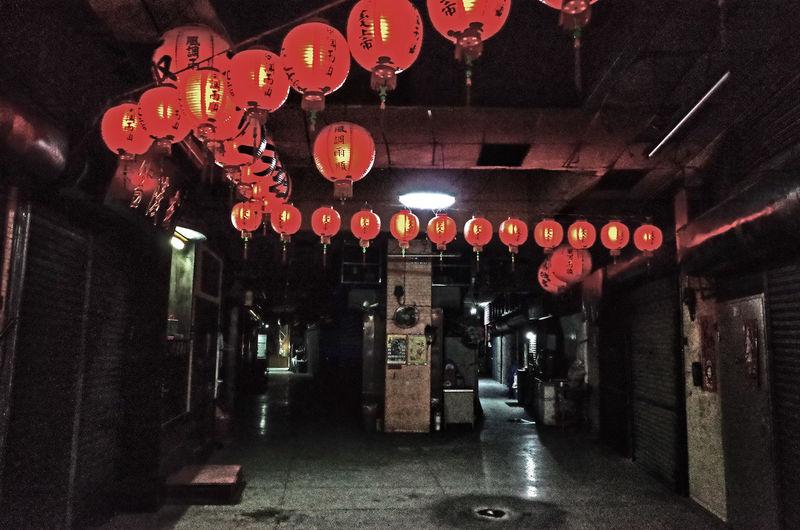 Illuminated Indoors  Lantern Lighting Equipment Night No People Religious Place Strange Architecture Streetscape Temple 室內街道 空中歩廊
