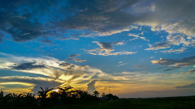 Lembayung Senja Hello World That's Me Check This Out Enjoying Life Relaxing Landscape Clouds And Sky Cloud - Sky Cloud Sky Sunshine Adobe Lightroom Mobile Taking Photos Taken On Mobile Device RedmiNote3Camera Be. Ready. EyeEmNewHere AI Now Colour Your Horizn