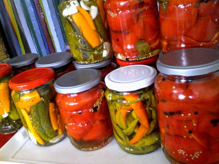 Fall Beauty Eyeem Market Wolfzuachis Jars  The Beauty Of Fall Carotes Pickels Cucumbers Slowfood Pepperbells