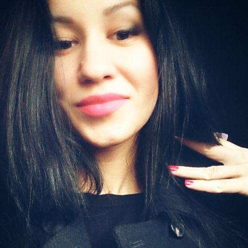 Lips Brunette