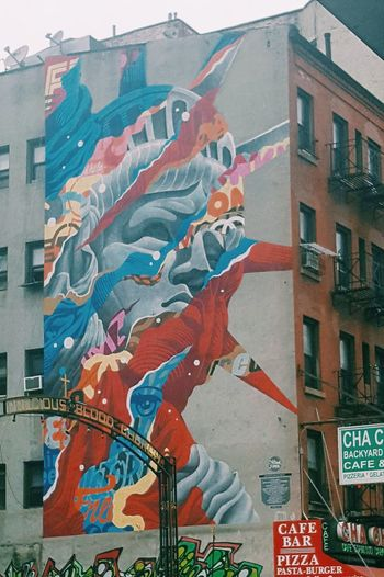 New York street art Streetart Colour Mural Art Spray Paint City Arts Culture And Entertainment Abstract Architecture Building Exterior Built Structure Cityscape Urban Scene Downtown District Downtown