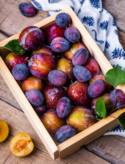 Basket Berry Fruit Blueberry Box Box - Container Close-up Container Food Food And Drink Freshness Fruit Healthy Eating High Angle View Indoors  Large Group Of Objects No People Purple Red Ripe Still Life Table Temptation Tray Wellbeing Wood - Material