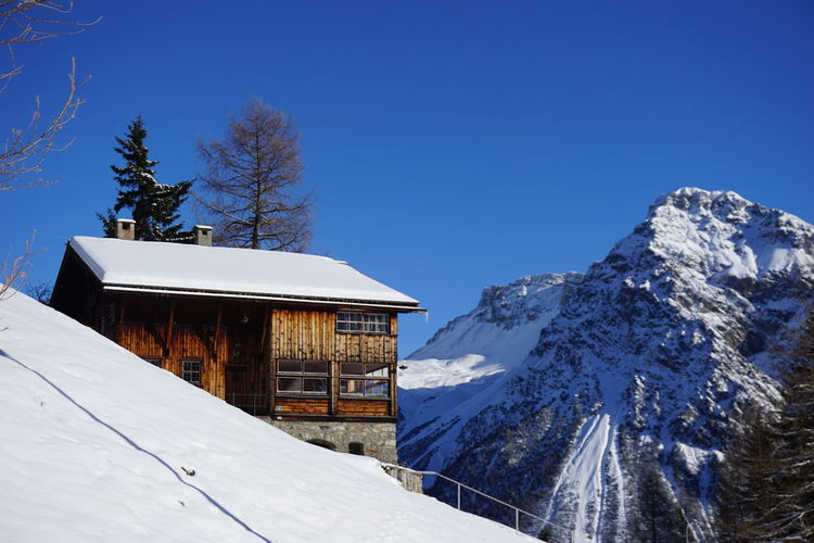 Swiss Mountain Chalet No Edit/no Filter Desktop Wallpaper House Chalet Graubünden Switzerland Arosa Cold Temperature Snow Winter Beauty In Nature Nature No People Day Tranquility Tranquil Scene Travel Destinations