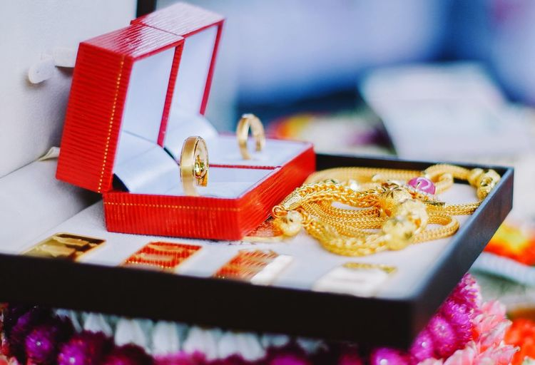 Gold Colored Box Gift Box - Container Selective Focus Gift Box Jewelry Still Life