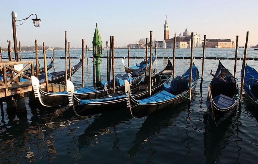 Venice Veneza Venezia Gondola Gondoliere Grandcanal Canale  Gondole Gondole In Venice Italy