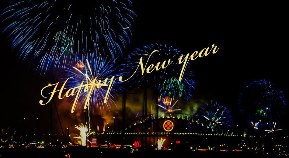 die besten Wünsche für 2019 🎆🎆🥂🥂🍾🍾🎆🎆 Have A Nice Day♥ My Picture 2019 Eyeem Photography GERMANY🇩🇪DEUTSCHERLAND@ Malephotographerofthemonth Alone But Not Lonely Good Night ♡♡ Panoramic View EyeEm Germany Illuminated Tree City Arts Culture And Entertainment Christmas Decoration Celebration Firework Display Nightlife Ferris Wheel Firework - Man Made Object Entertainment Exploding Event Firework New Year